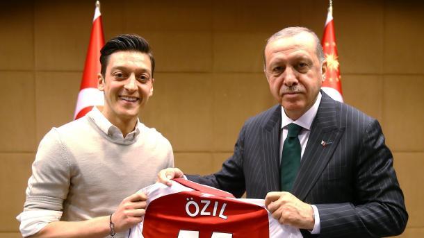 Ozil con Erdogan