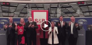 Commissari europei cantano Bella Ciao