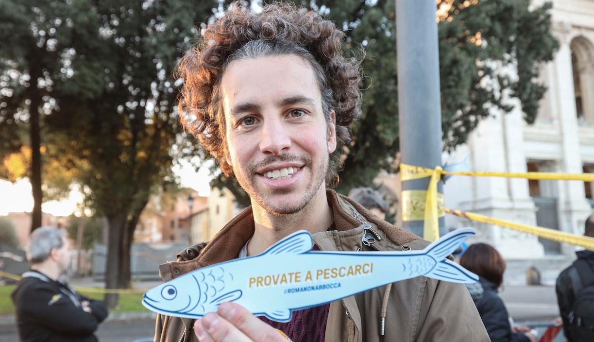 Mattia Santori leader sardine