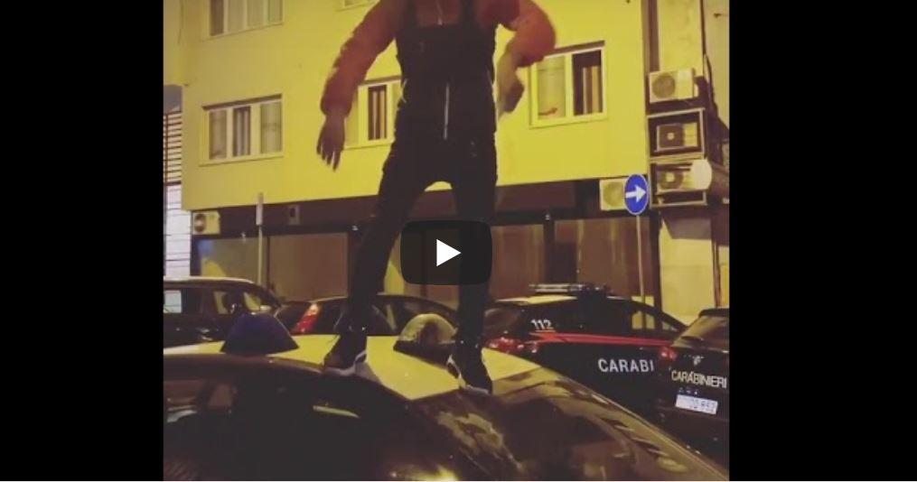 trapper salta su auto carabinieri