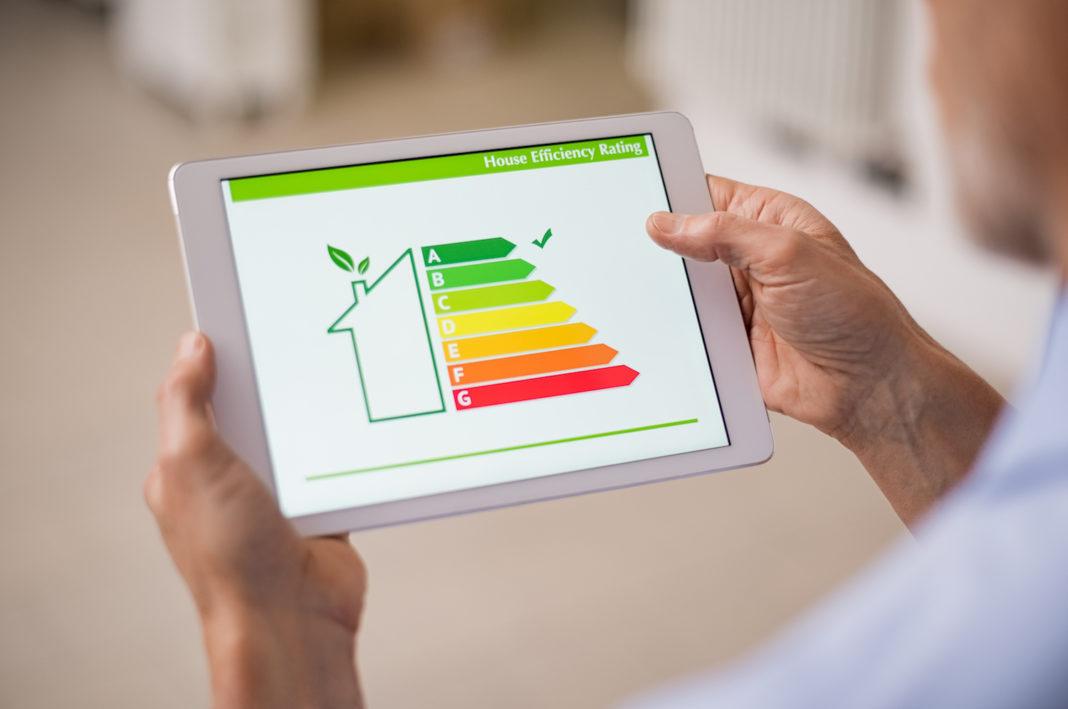 APE: un grafico su tablet sulla prestazione energetica