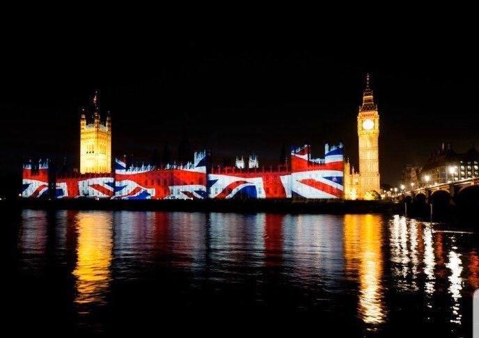 Londra festeggia la Brexit