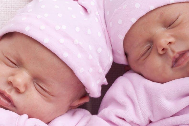 Figlie di madre surrogata e padri gay