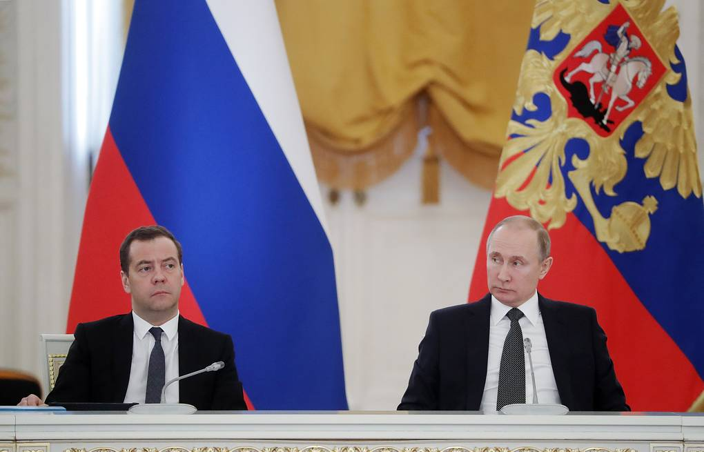 Medvedev, con Putin