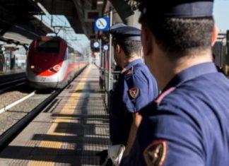 ferma il treno pieno di pendolari