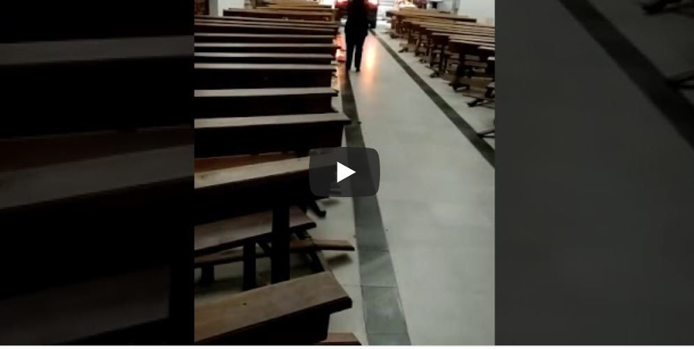 Spagna, suv in Chiesa