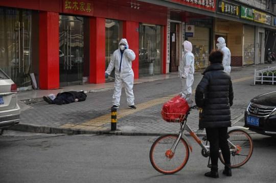 Wuhan, uomo morto