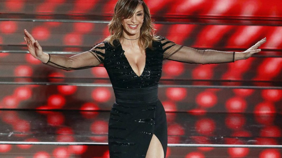 Sabrina Salerno sul palco dell'Ariston