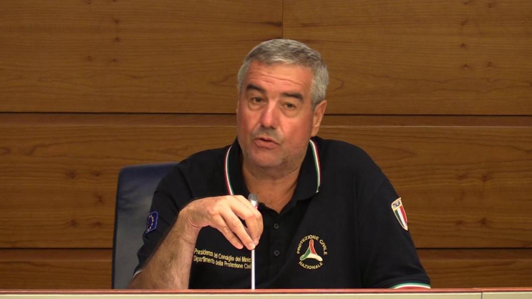 Angelo Borrelli Protezione civile dà lettura bollettino coronavirus