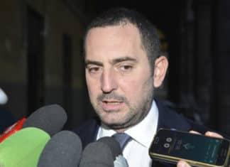 Il ministro Spadafora vuole stop alla Serie A