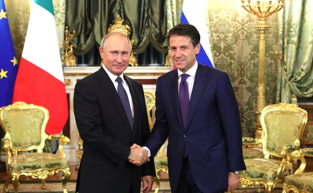 Vladimir Putin e Giuseppe: accordi su aiuti dalla Russia
