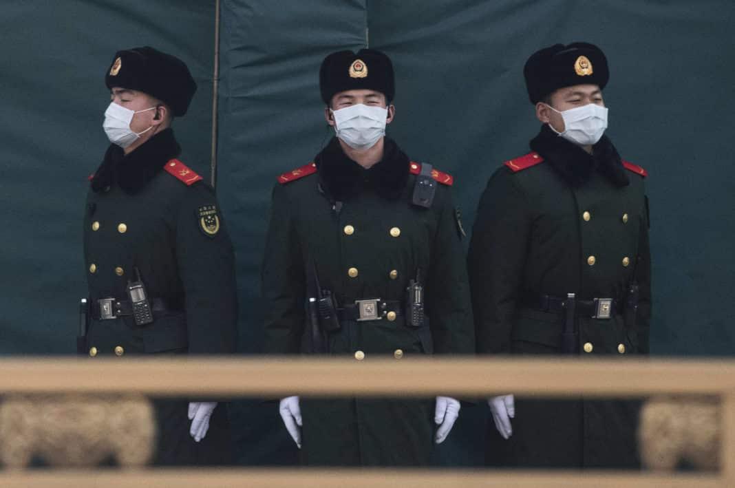 coronavirus, soldati cinesi