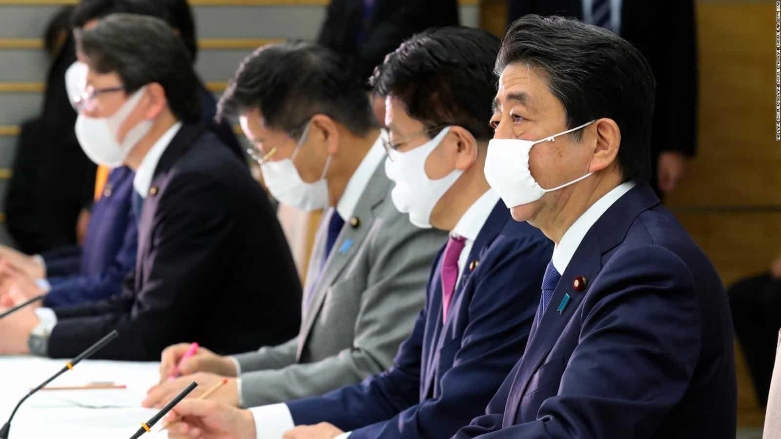 Coronavirus, stato d'emergenza in tutto il Giappone