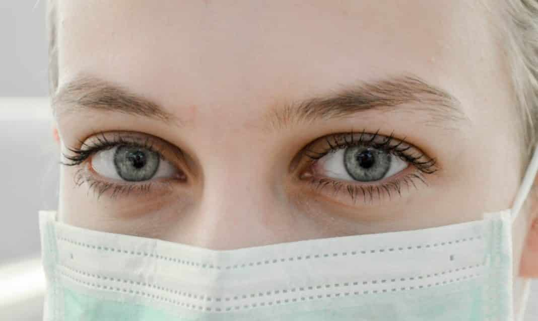 coronavirus lacrime