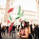 Mascherine Tricolori, quinto sabato in piazza contro il gove