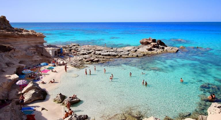 Dopo la Croazia anche Spagna riapre ai turisti