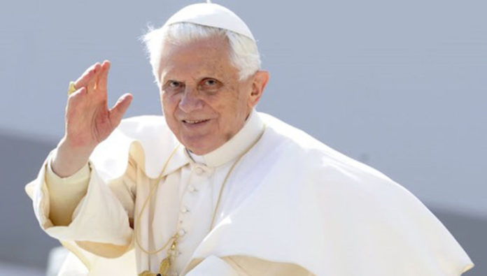 Papa Ratzinger torna a parlare