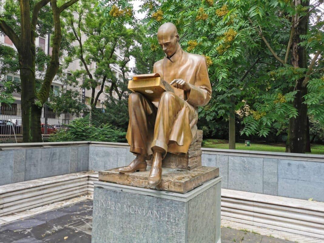 Montanelli, statua