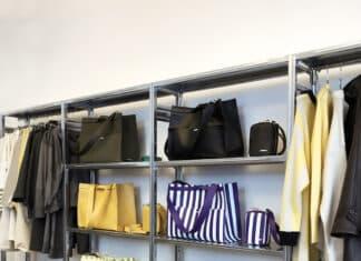 scaffalature in uno showroom