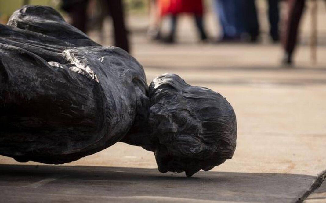 statue, abbattute