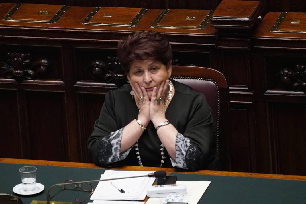 Teresa Bellanova, flop per la regolarizzazione degli immigrati