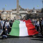 """Centrodestra in piazza a Roma contro Conte: """"Burocrazia zero"""