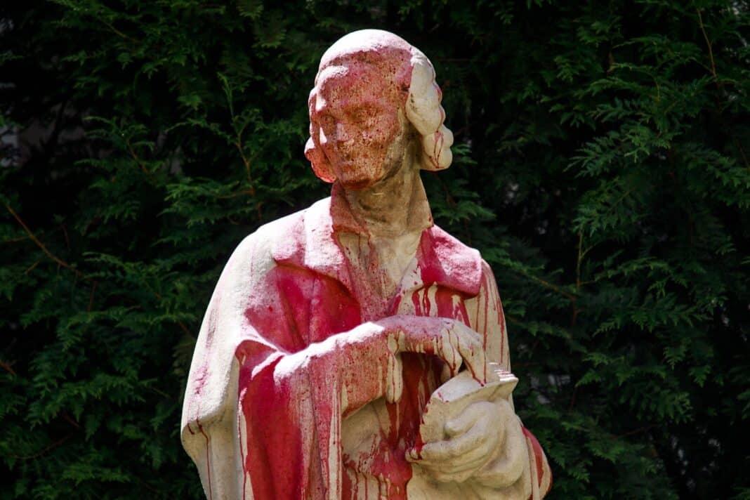 Voltaire, statua