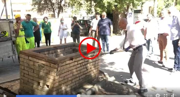 Sindaco pescara distrugge fontana