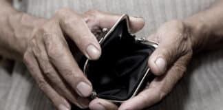 povertà assoluta, borsello vuoto