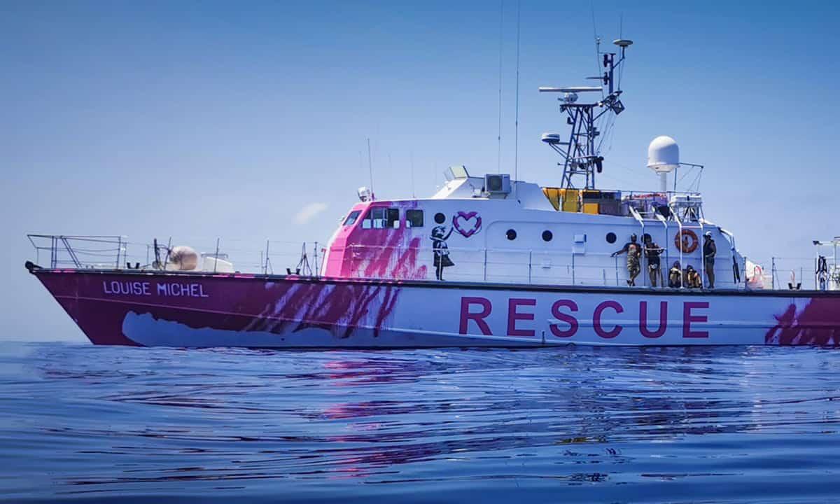 Migranti, la nave rosa di Banksy ha già salvato 89 persone