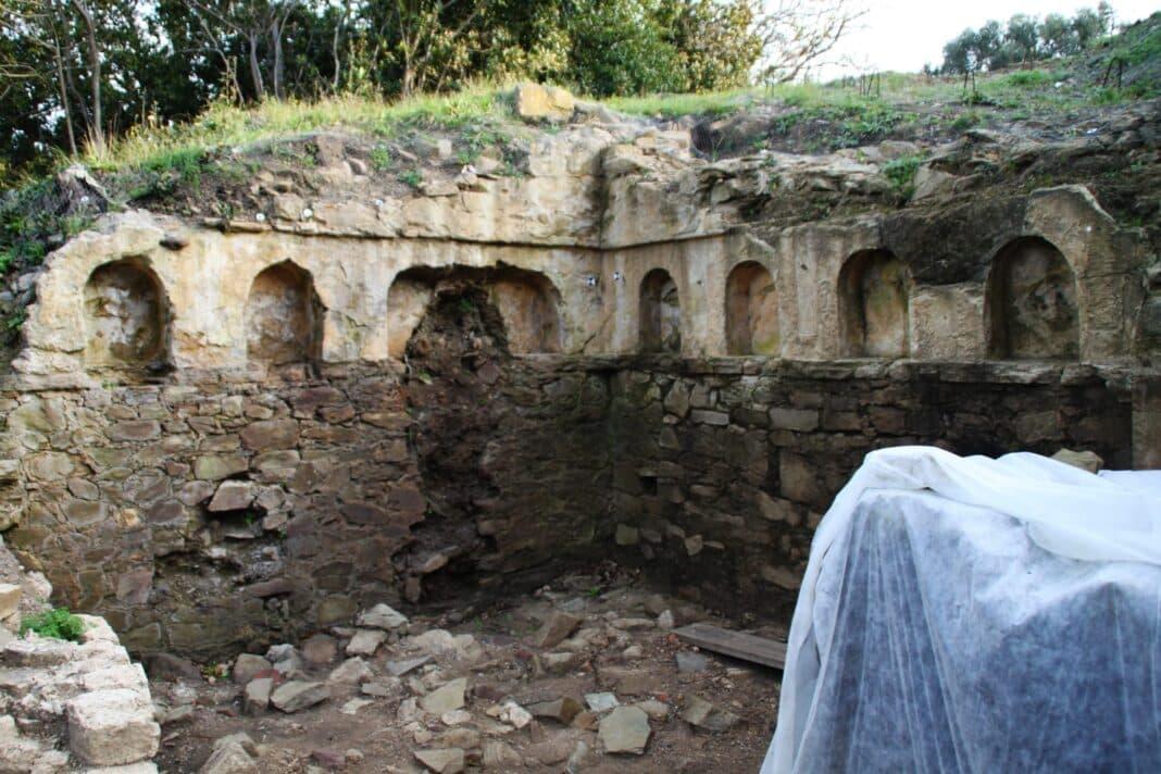 populonia tomba etrusca