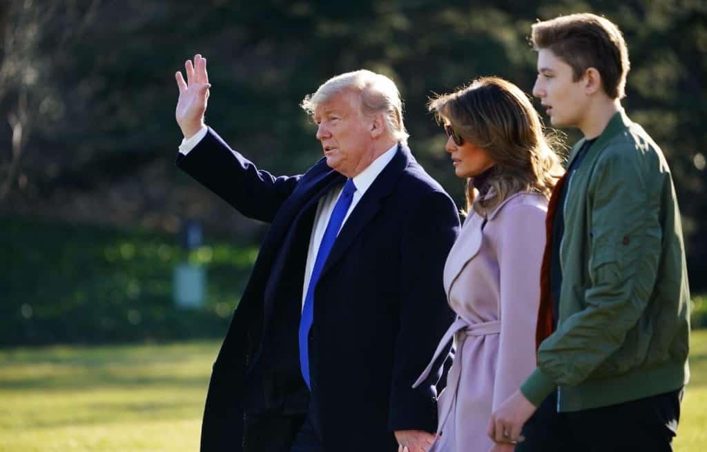 Trump con Melania e il figlio