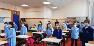 Desenzano del Garda bambini scuola canzone del Piave