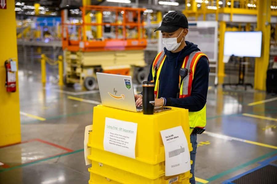Amazon controllo lavoratori