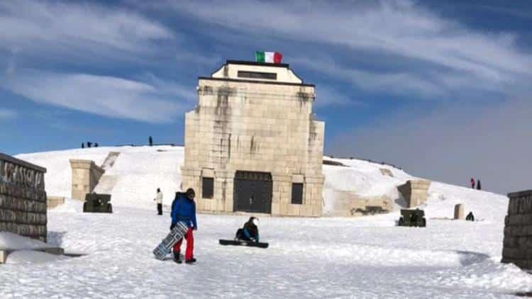 Snowboard monte grappa