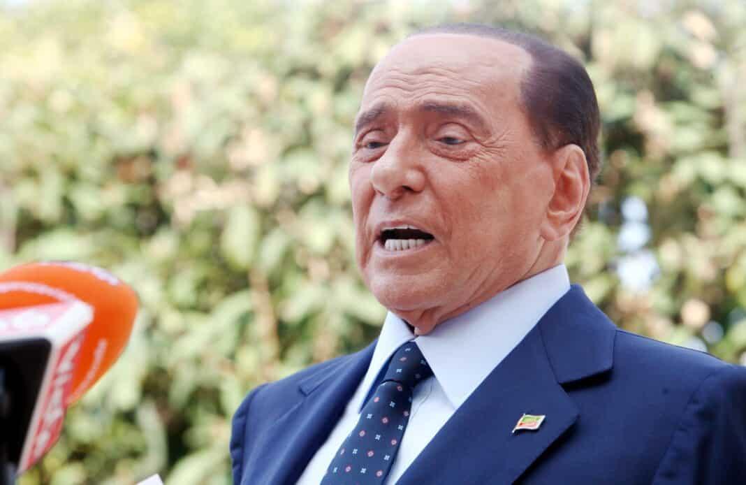 Berlusconi, ricoverato