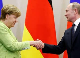 Merkel, con Putin