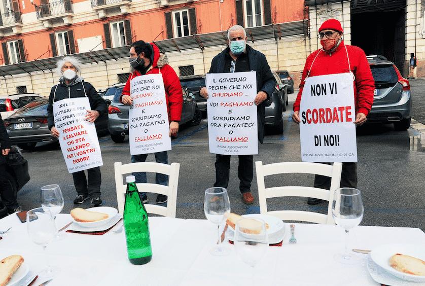 esposto ristoratori contro virologi