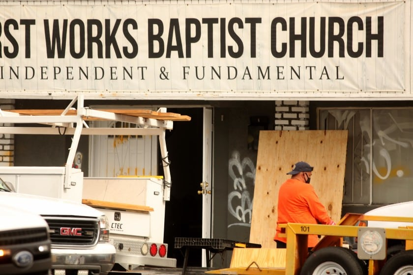 bomba Chiesa los Angeles