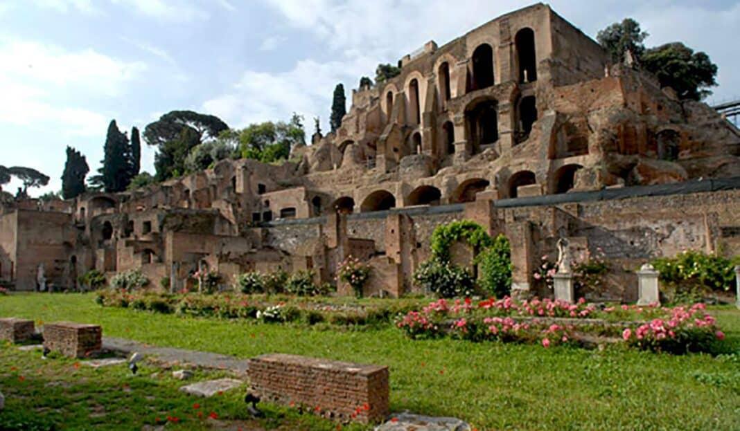 Domus Tiberiana, Colosseo