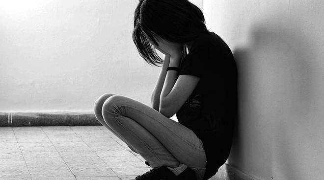 scuole suicidi studenti