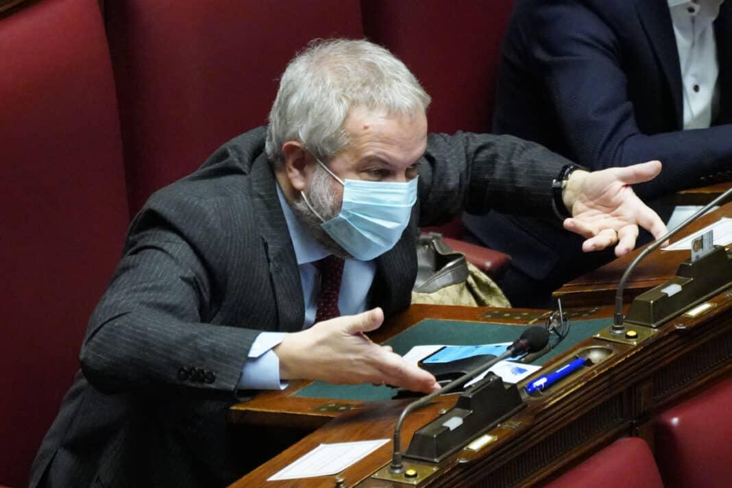 Borghi, basta euro