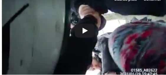 Bimba afroamericana arresto