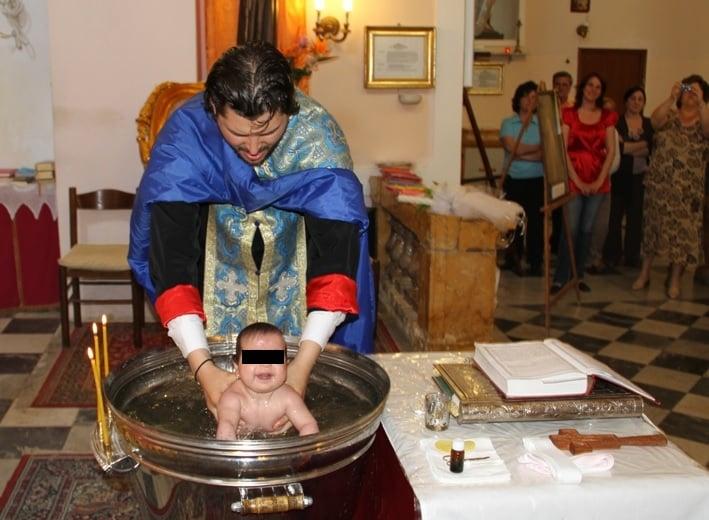 Neonato Battesimo Ortodosso