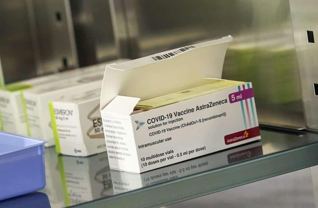 Vaccino AstraZeneca, effetti colllaterali