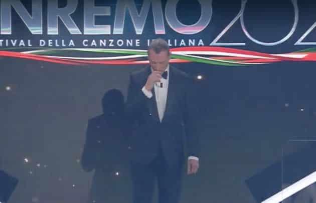 Sanremo, ecco chi si indigna per il segno della croce di Amadeus