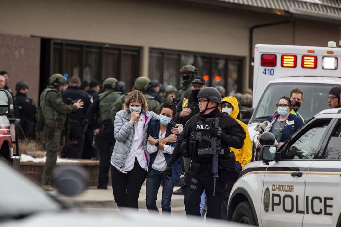 Colorado, sparatoria in un supermercato: dieci morti