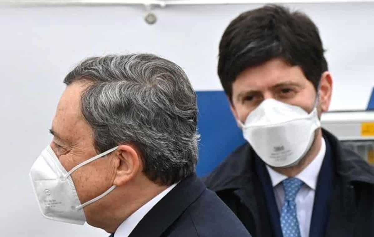 Covid: Draghi, 'dobbiamo essere uniti come nei mesi precedenti'