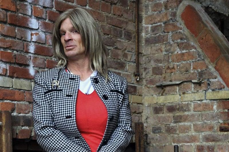 """Olanda, un trans che si identifica come """"suora"""" vuole andare in convento: """"Lo chiederò al Papa"""""""