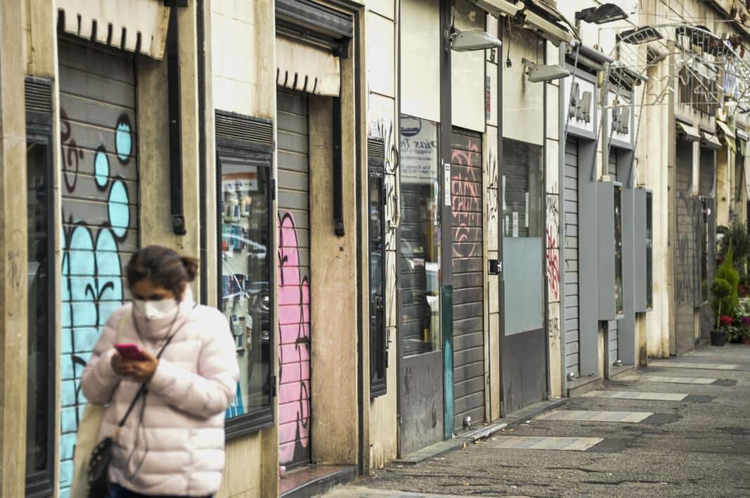 negozi chiusi, governo
